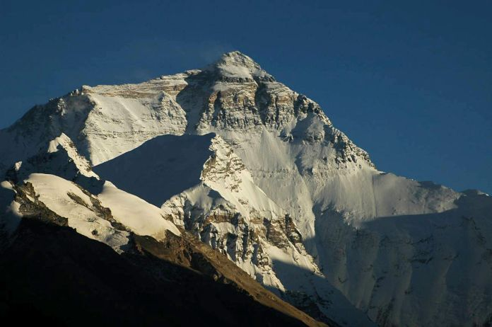 Mount_Everest_North_Face