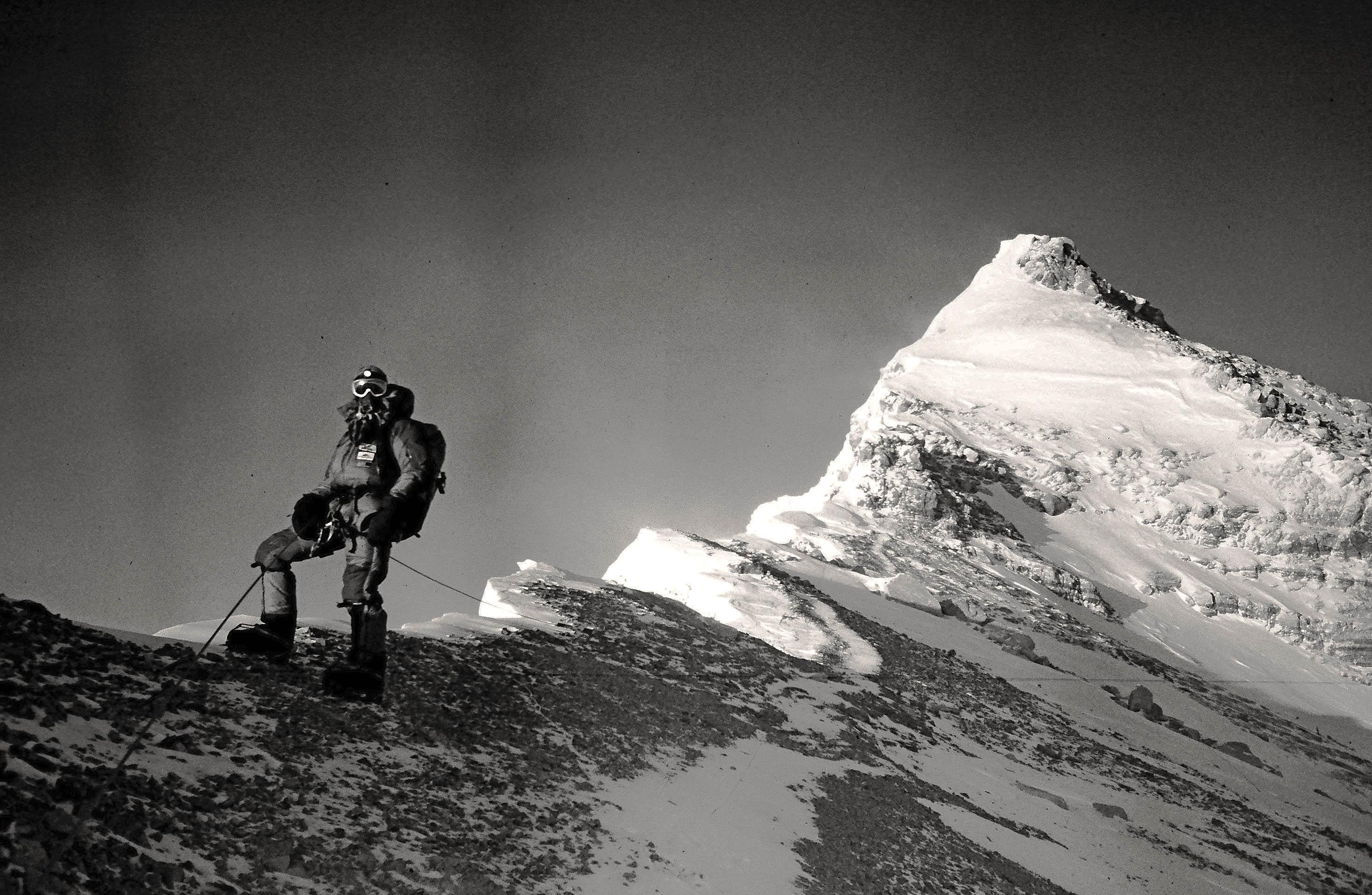 Mount_Everest_North_Ridge