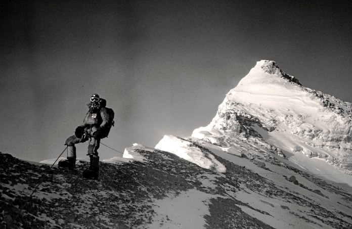 Mount_Everest_North_Ridge